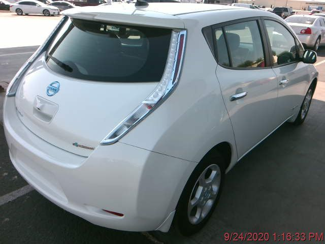 2013 Nissan Leaf SV with battery upgrade, go green, and don't worry, you'll make it all the way home